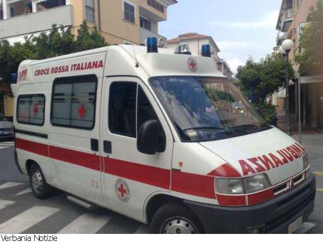 Incidente a Ghiffa, muore motociclista